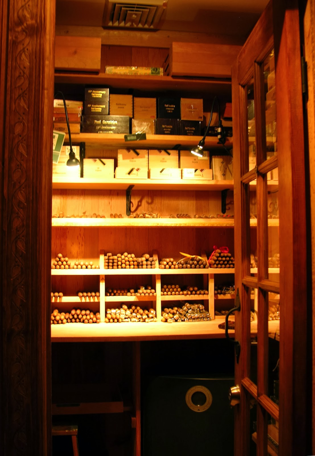 Tobacconist University Building A Walk In Humidor