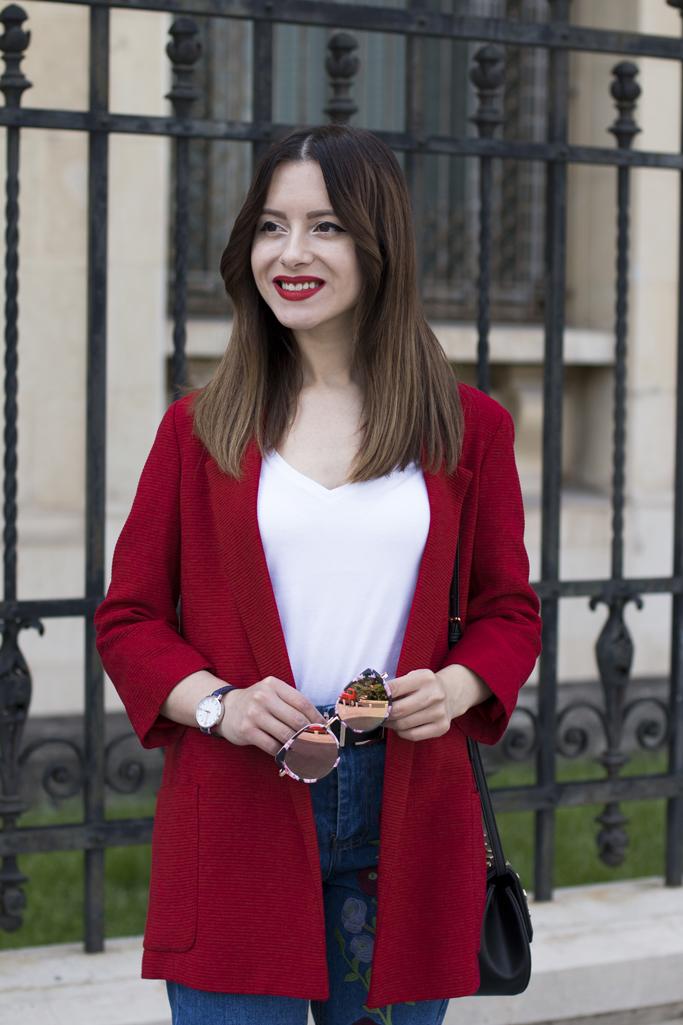 red blazer, white basic T-shirt