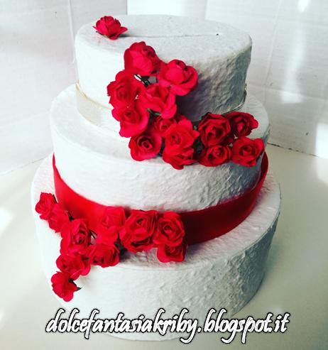 torta portabuste per matrimonio tema rosso rose