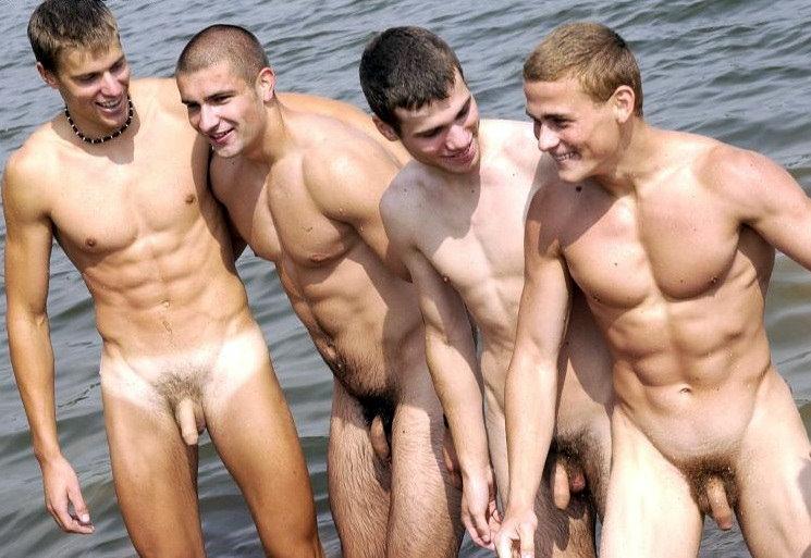 Смотреть видео голых парней, подруга друга групповуха