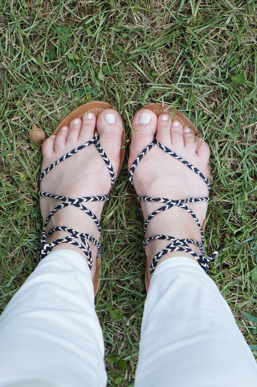 Rebecca Lately Sseko Ribbon Sandals Woven Arrow Ribbons in Navy Old Navy Linen Tee Ann Taylor Curvy Petite Skinny Jeans