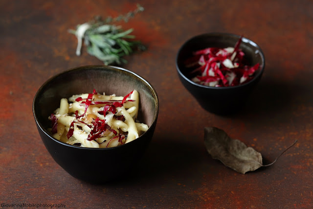 Strozzapreti con gorgonzola e radicchio