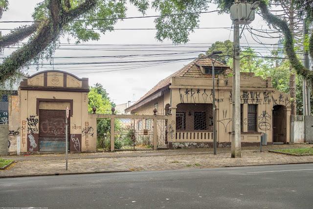 casa na Ave. Getúlio Vargas