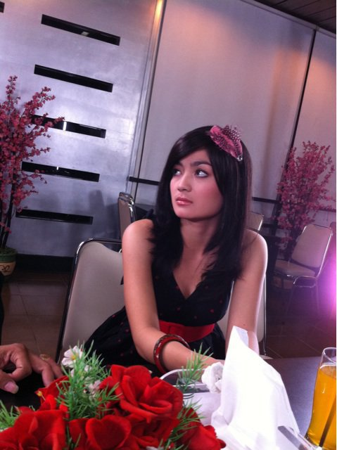 Biodata Imel Putri Cahyati & Foto Hotnya | Demit 88