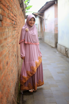 8 tutorial hijab Cewek IGO Efrida Yanti menutup dada hipwee hijab Cewek IGO Efrida Yanti 90an