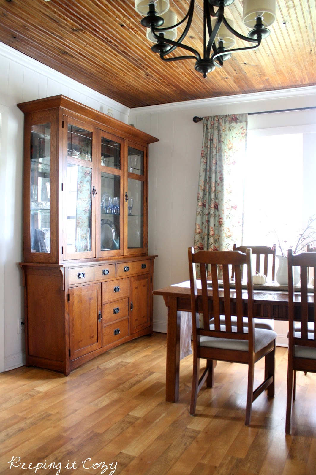 Cozy Dining Space: Keeping It Cozy: A Fall Visit In The Dining Room