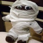 http://www.craftsy.com/pattern/crocheting/toy/crochet-mummy-doll/34990?rceId=1447962904458~y38omcib
