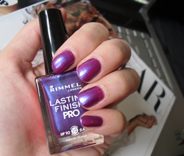 Rimmel Lasting Finish Pro Nail Polish in Violet Metal review