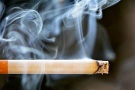 nie pal przy dziecku