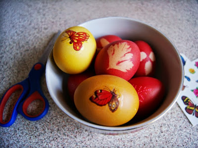 dye Easter eggs with fake tattoos