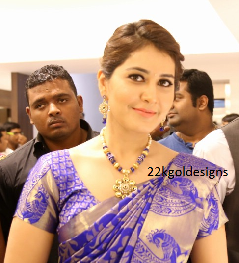 Raashi Khanna in blue beads Necklace set
