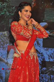 Bollywood Actress Model Sunny Leone Dance Performance in Red Half Saree at Rogue Audio Launch 13 March 2017  0027.jpg