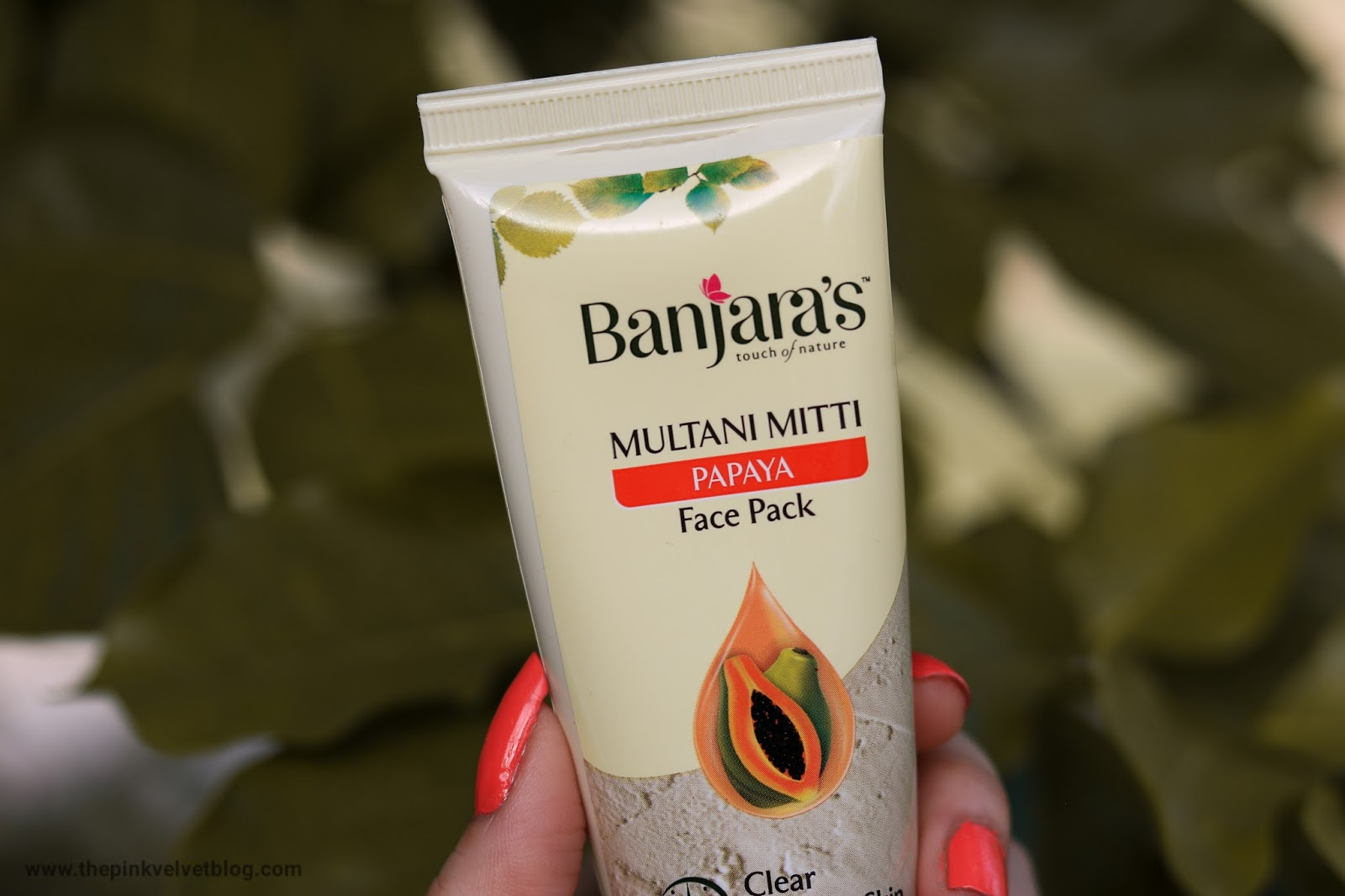 banjara's multani mitti papaya face pack