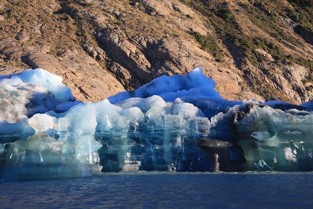 GLACIAR VIEDMA, Caminhar e fazer escalada de gelo numa viagem ao mundo dos glaciares | Argentina