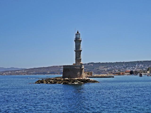 latarnia morska w porcie Kreta i Chania