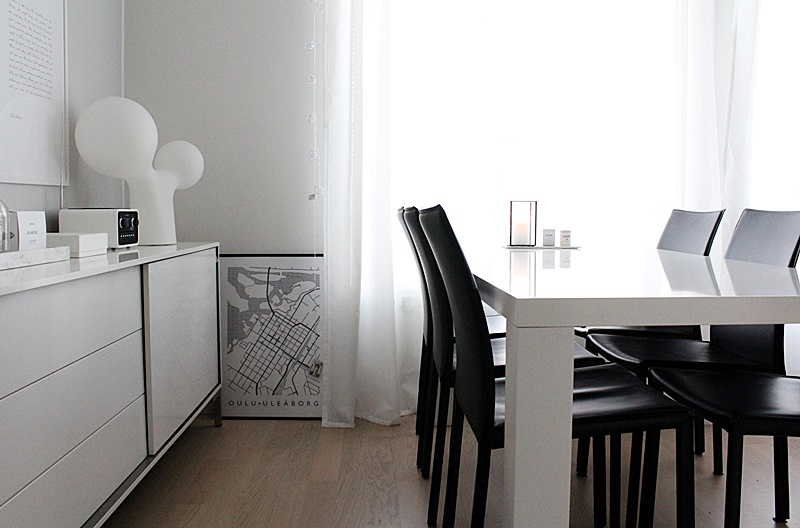 white scandinavian dining room