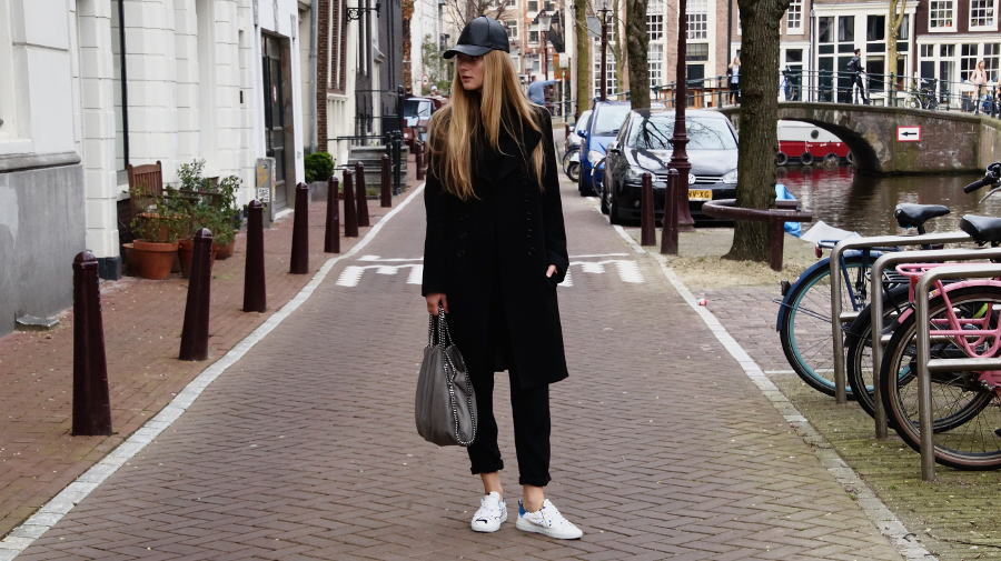 Fancy, manners, fancymanners, blog, fashion, blogger, amsterdam, the netherlands, holland, outfit, personall, style, black, all, stella mccartney, falabella, bag, grey, sneakers, inspiration