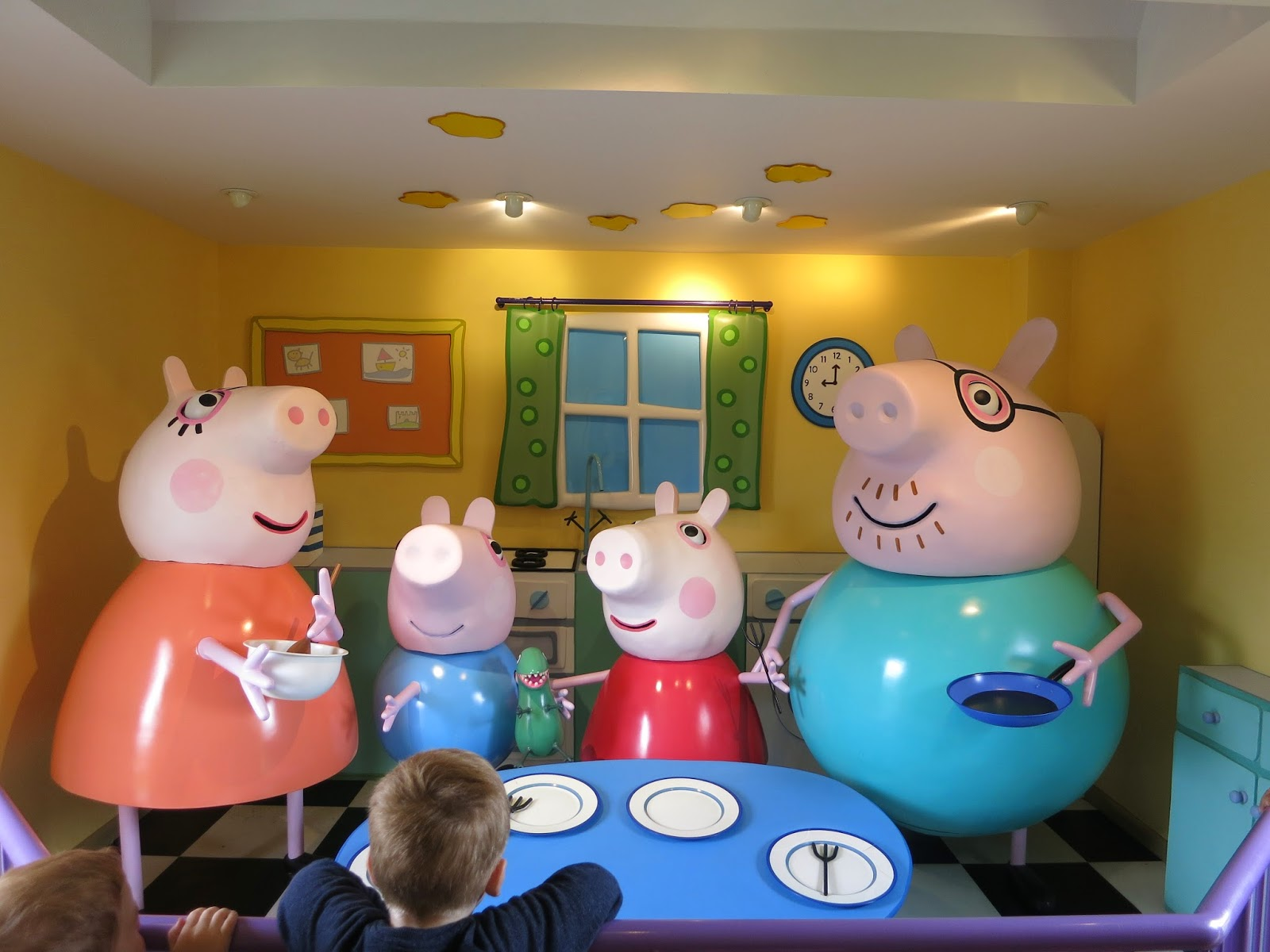 Peppa Pig World Review - Paultons Park | A Stylish Something