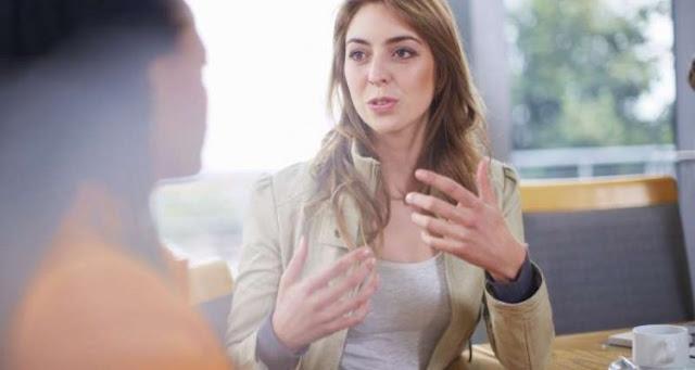 Πώς να «χτίσετε» μια καλή επικοινωνία χρησιμοποιώντας τη γλώσσα του σώματος