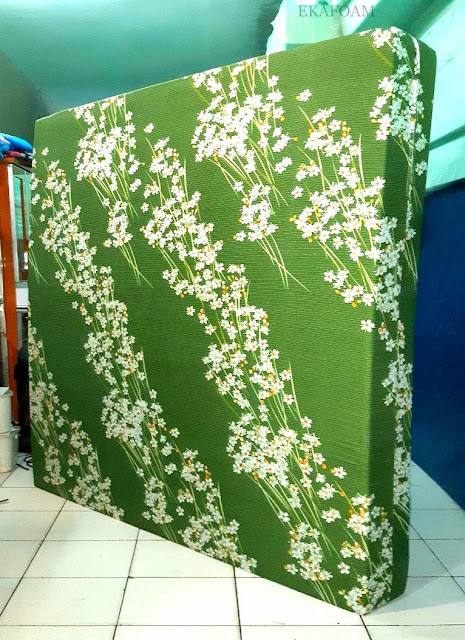 Kasur inoac motif bunga randu hijau