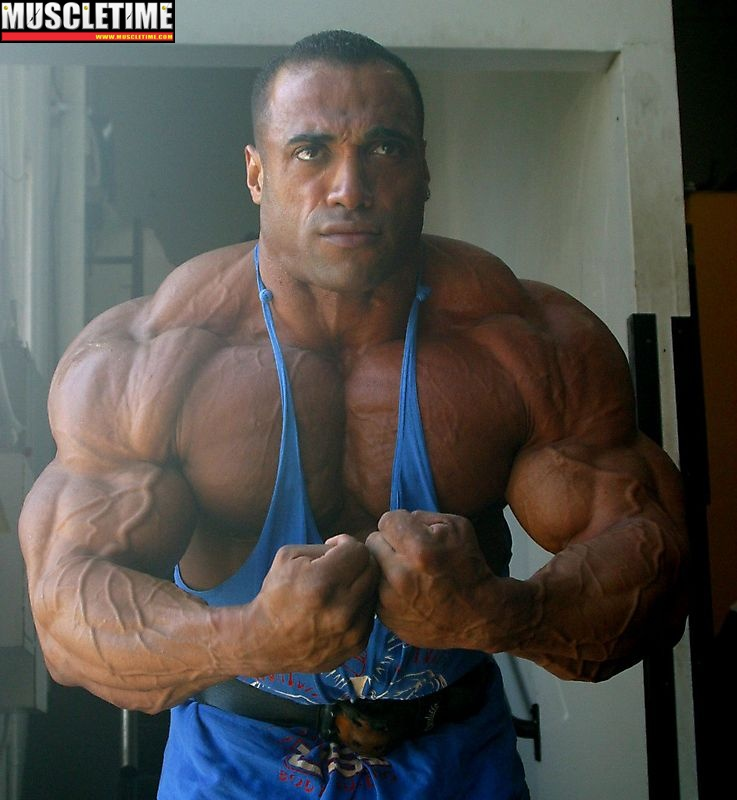 "Muscle Lover: IFBB Pro Dennis James ""The Menace"" (PART 1)"