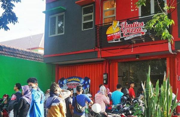http://thepowerofjatim.blogspot.co.id/2017/07/panties-pizza-surabaya-murah-enak.html