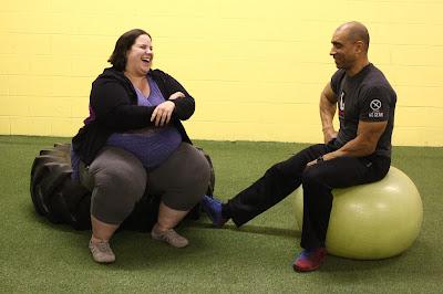 Na segunda fase da terceira temporada, dançarina enfrenta tensões com Buddy e teme esperar um bebê logo após terminar namoro com Lennie - Divulgação
