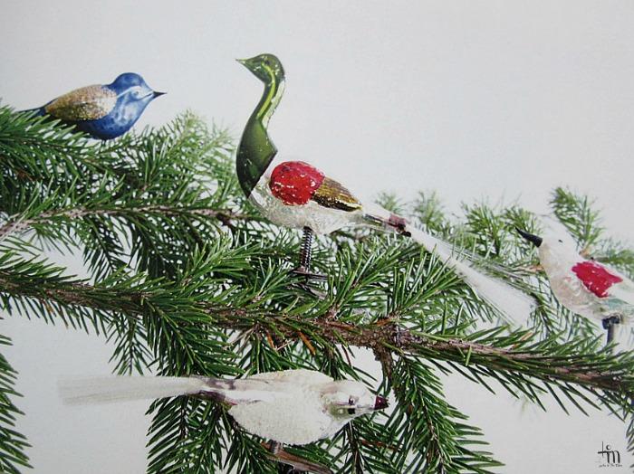lasiset joululintukuusenkoristeet hopeapeilin joulu -kirjassa