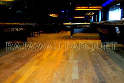 Memasang Lantai Kayu di Tempat Billiar Jakarta Selatan