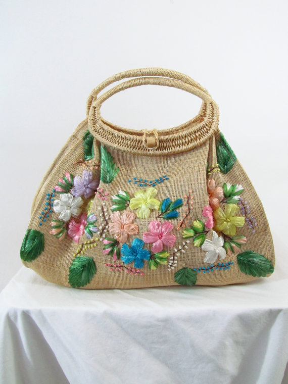 https://www.etsy.com/listing/199161243/vintage-straw-floral-boho-beach-bag?ga_order=most_relevant&ga_search_type=vintage&ga_view_type=gallery&ga_search_query=straw%20bags&ref=sr_gallery_39