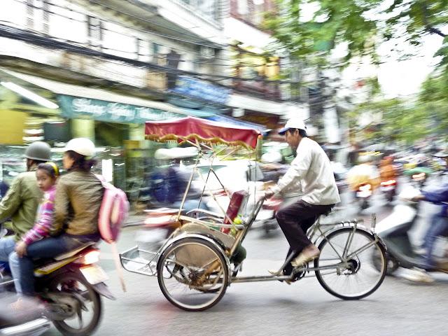 Imagen del trafico en las calles de Saigon