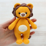 https://amigurumi.today/crochet-cuddle-me-lion-amigurumi-pattern/