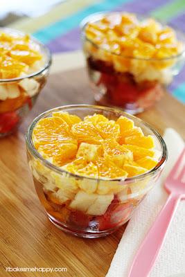 It Bakes Me Happy: Summer Fruit Salad