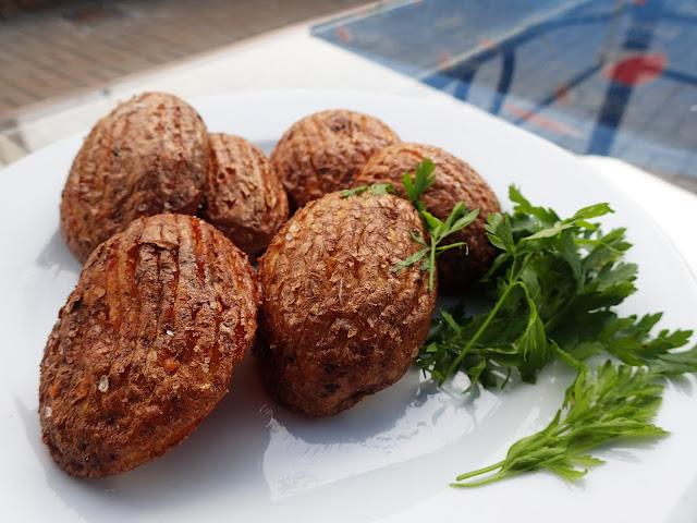 W podróży nowe dania (tu: kasztany z ziemniaków) to dobra rzecz