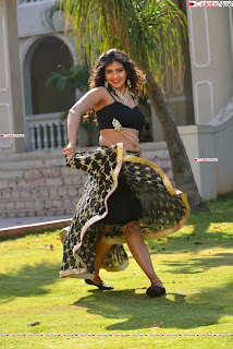 Hebah Patel in Spicy Black Choli and Ghagra HD Pics  023.jpg
