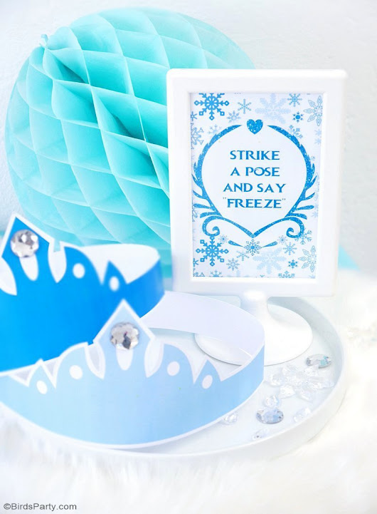 DIY Frozen Inspired Party Photo Booth | Party Ideas | Party Printables