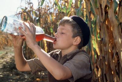 blog vin beaux-vins enfant boit vin champ