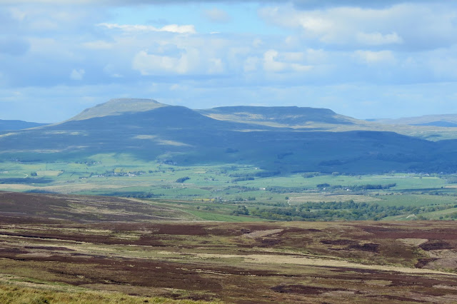 A zoomed-in view of Ingleborough
