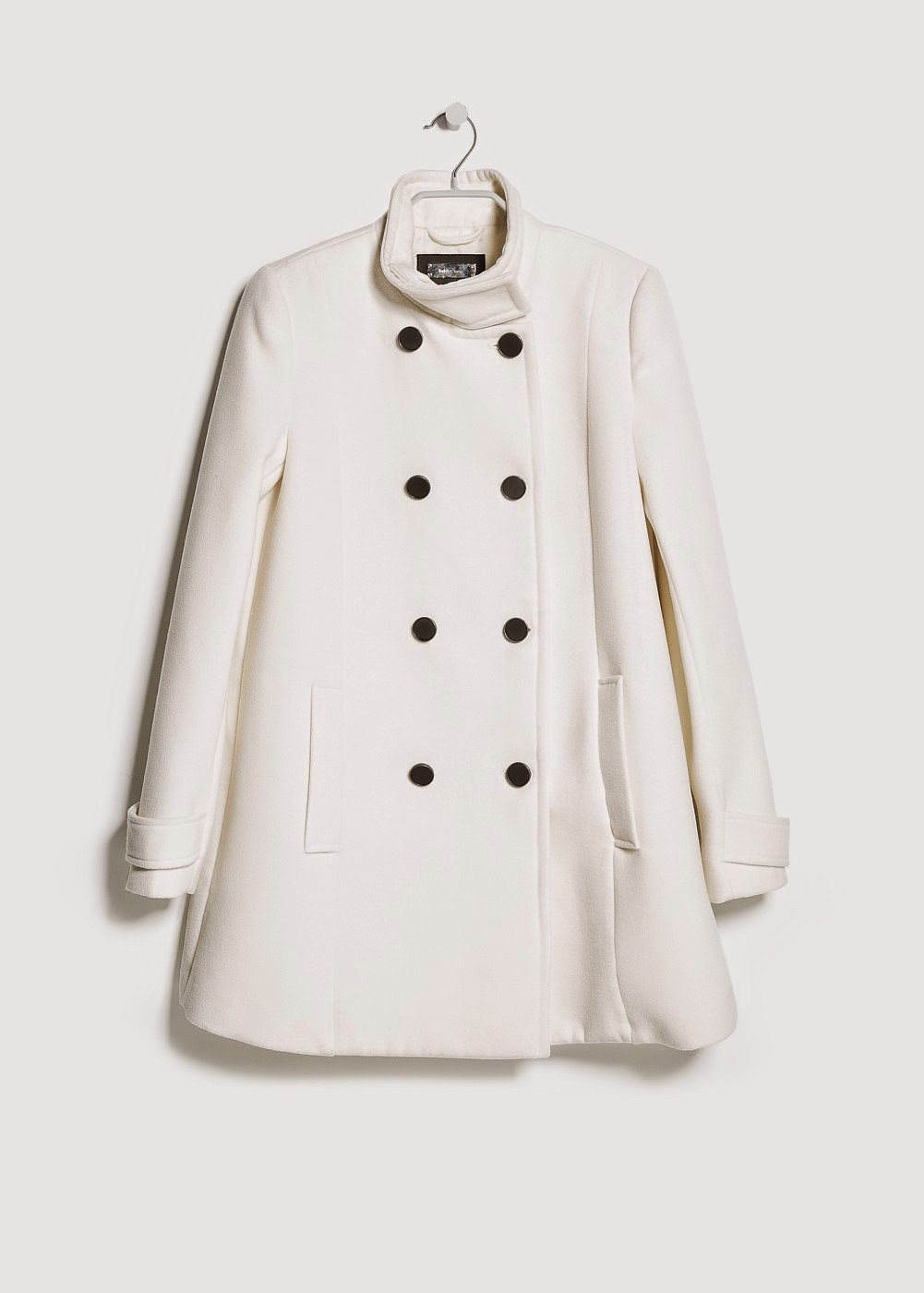 http://shop.mango.com/ES/p0/mujer/prendas/abrigos/abrigo-doble-botonadura/?id=33059005_10&n=1&s=prendas.abrigos&ident=0__0_1415202636306&ts=1415202636306