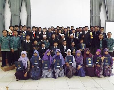 Angkatan Pertama SMK Daarut Tauhiid School Bandung