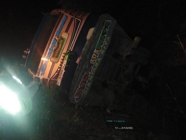 Lakalantas Bus Sutra dan Sepeda Motor di Sibolangit, 3 Tewas, 16 Luka-Luka