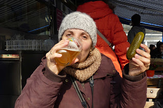 Tomando cervezas en Viktualienmarkt.