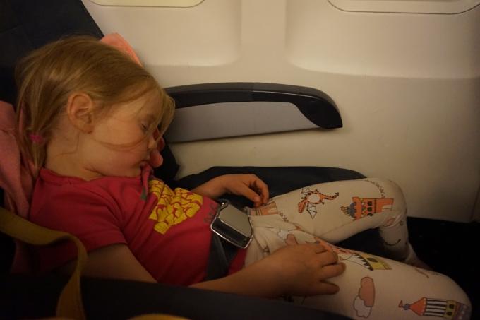 Bukarestiin halpalentoyhtiö Blue Airilla pienten lasten kanssa