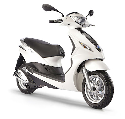 New 2016 Piaggio Fly 125cc Scooter Image for HD