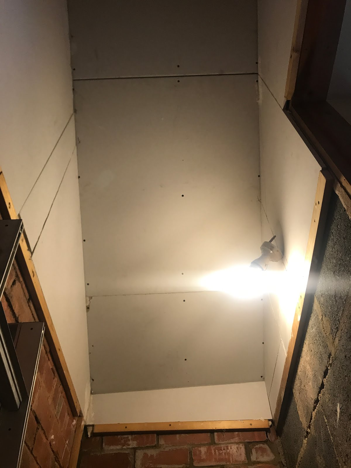 plasterboard on sloped ceiling DIY