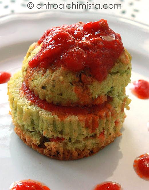 Torrette di Muffins al Pesto con Salsa di Pomodoro