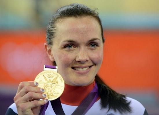 Victoria Pendleton with her gold medal in London Olympic 2012
