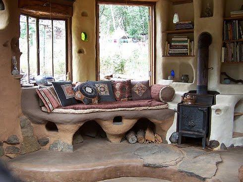 Красивый дом из самана, США