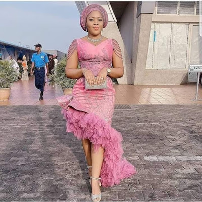 Lace Asoebi Gown for Wedding Occasion - Fashion and Styles 2020