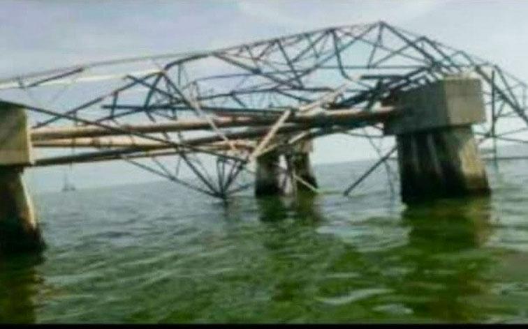 Ventarrón tumbó 4 torres petroleras en el Zulia - Falta de mantenimiento detrás de todo
